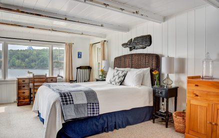 Bedroom in Water's Edge Cottage