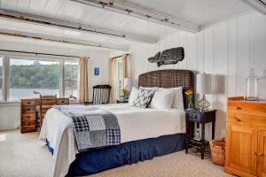 Bedroom in Water's Edge Cottage at Topside Inn