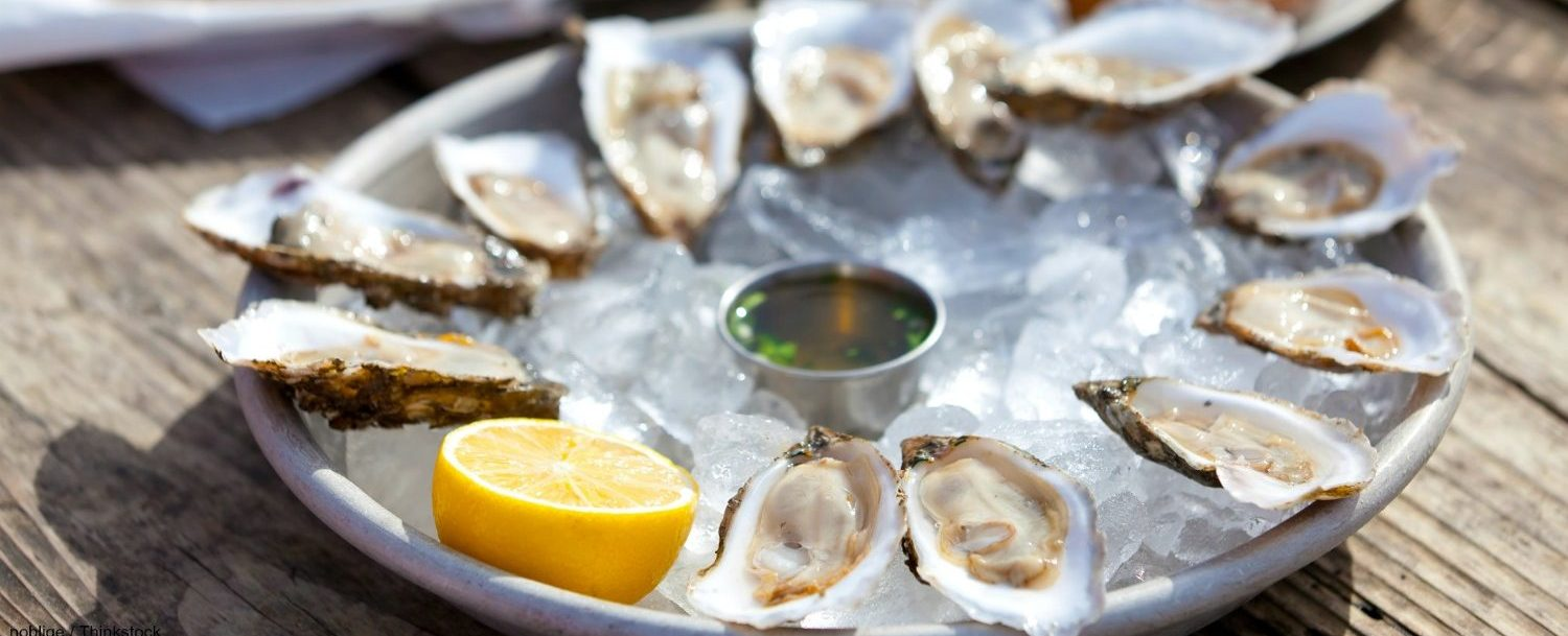 Platter of a dozen oysters at Mine Oyster in Boothbay Harbor, Maine